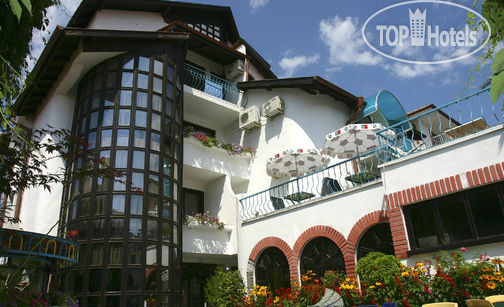 Flora Family Hotel 2*