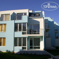 Фото отеля Blue Sky Apartments 3*