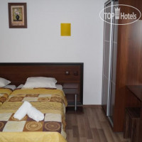 Фото отеля Chrystal Guest House 2*