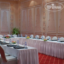 Фото отеля Crowne Plaza Resort Salalah 5* Конференц-зал
