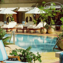 Фото отеля Four Seasons Hotel Cairo at Nile Plaza 5*