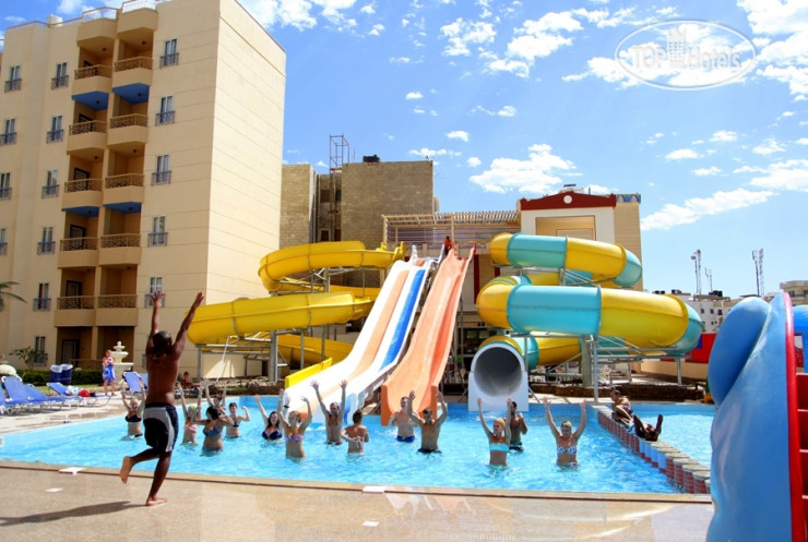 Фото отеля King Tut Aqua Park Beach Resort 4*