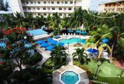 Comfort Suites Seven Mile Beach 3*