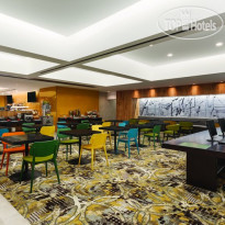 Фото отеля Radisson Hotel & Suites 4*