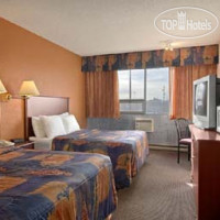 Фото отеля Days Inn and Conference Center Edmonton Airport 2*