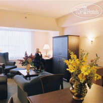 Фото отеля Crowne Plaza Montreal Airport 4*
