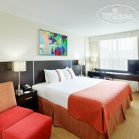 Фото отеля Holiday Inn Toronto Downtown Centre 3*