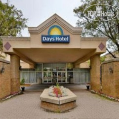 Days Hotel and Conference Center Toronto Airport East 3*