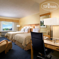 Фото отеля Four Points by Sheraton Toronto Lakeshore 4*