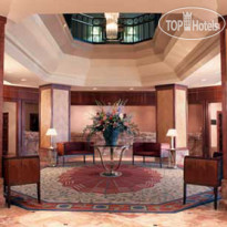 Фото отеля InterContinental Toronto Yorkville 5*