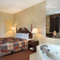 Фото отеля Howard Johnson Inn Toronto Downtown West 2*