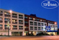 Holiday Inn Express Vancouver 3*