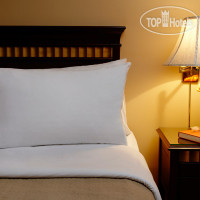 Фото отеля Rosellen Suites At Stanley Park 3*