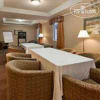 Фото отеля Ramada Inn & Suites 2*