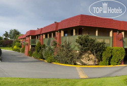 Econo Lodge & Suites Victoria 2*