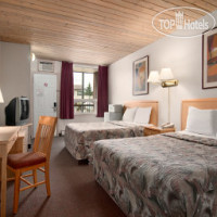 ���� ����� Travelodge Three Sisters 2*