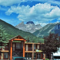 Фото отеля Travelodge Three Sisters 2*