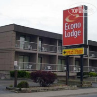 Фото отеля Econo Lodge By the Falls 2*