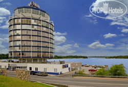 Best Western Lakeside Inn & Conference Centre 2*