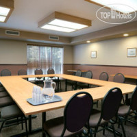 Фото отеля Days Inn And Suites - Thunder Bay 2*