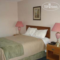 Фото отеля Howard Johnson Inn Gananoque 2*