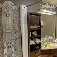 Фото отеля Acclaim Hotel Calgary Airport 3*