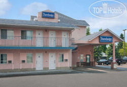 Travelodge Edmonton Airport 3*
