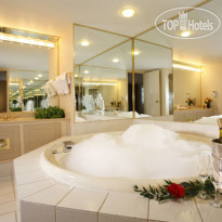 Фото отеля Coast Plaza Hotel & Convention Centre 3*