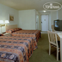 Фото отеля Days Inn Calgary Airport 3*