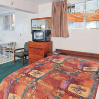 Фото отеля Rundle Manor Apartment 3*