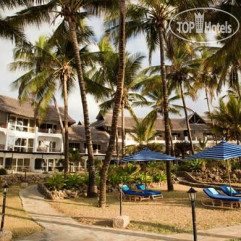 Hemmingways Beach Resort