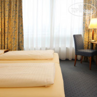 Фото отеля Vienna House Easy Wuppertal 4*