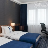 Фото отеля Holiday Inn Express Augsburg 3*