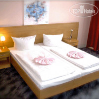 Фото отеля Hotel Pension Messe 2*