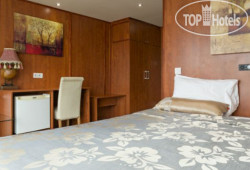 Compass River City Boat Hotel 3*