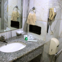 Фото отеля John's Pardede International Hotel 3*