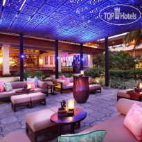 Фото отеля Nusa Dua Beach Hotel & Spa 5* Lobby Bar
