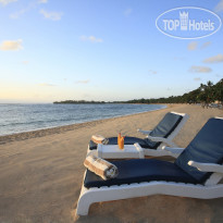 Фото отеля Nusa Dua Beach Hotel & Spa 5* Sunrise at the beach