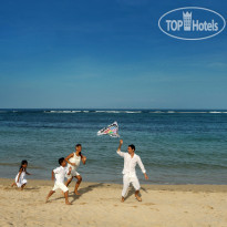 Фото отеля Nusa Dua Beach Hotel & Spa 5* Family at the beach