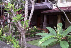 Dewi Ayu Accommodation 2*