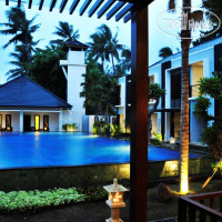 Фото отеля Padma Sari Beach Front Resort 4*