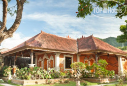 Segara Bukit Seaside Cottages 2*