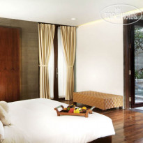 Фото отеля The Oasis Beach Benoa 4*