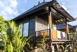 Sunrise Hut's Lembongan 3*