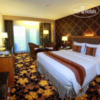 Фото отеля Grand Rocky Hotel Bukittinggi 4*