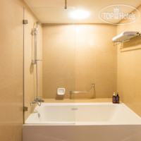 Фото отеля Lohas Suites Sukhumbit by Super Hotel 4*