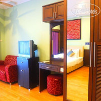 Фото отеля Hill Top Service Suites 3*
