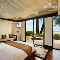 Фото отеля Dusit Thani Laguna Phuket 5* Ocean Front Pool Villa - The entire ground floor comprises two spacious bedrooms with adjoining en-suite bathrooms and direct access from the bedroom on to the garden courtyard.