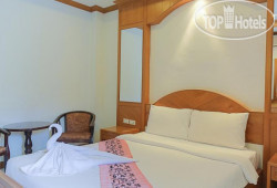 Coconut Moon Hotel 3*