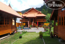 Golden Teak Resort Baan Sapparot No Category